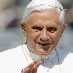 52733683FO001_pope